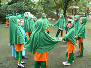 http://annajahjakarta.com/wp-content/uploads/2017/11/HutanKota1.png